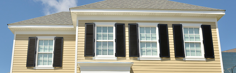 White Or Black Shutters Can Work Very Well With A Beige Home If Matched To Your Window Trim Make Smaller House Ear Larger